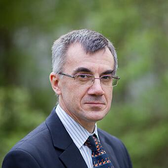 Dr Jonathan D Moseley
